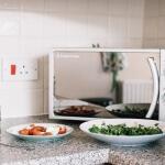 10 cosas que no debería calentar en el microondas (pero que probablemente caliente)